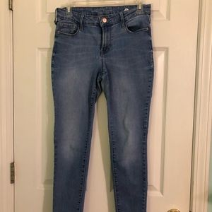 Women's mid-rise rockstar skinny jean